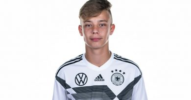 Schalke verpflichtet Werders Sturmhoffnung Topp